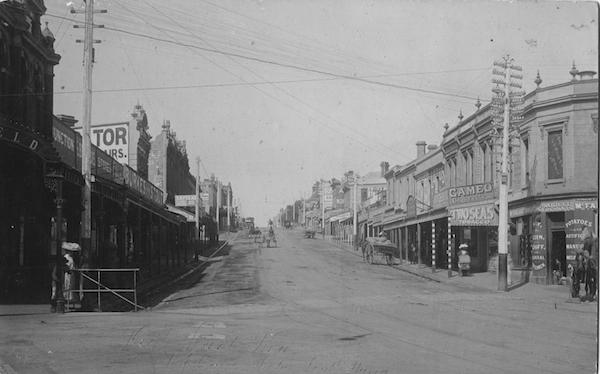 High Street, 1891. J.F.C. Farquhar [photographer]. Kew Historical Society collection