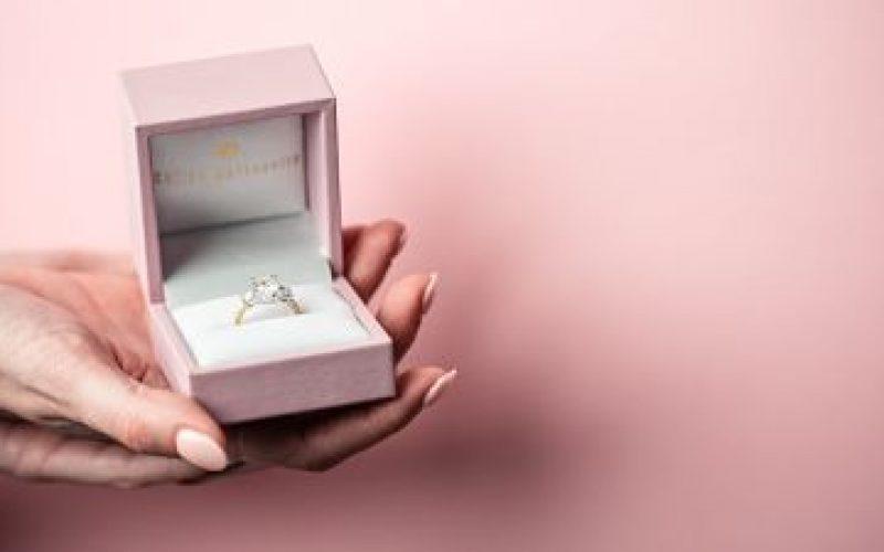 Engagement ring Kew