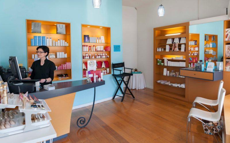 beauty salon in Kew